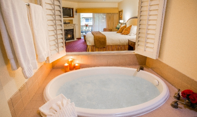 Stay, Play and Dine Hotel Package in Healdsburg